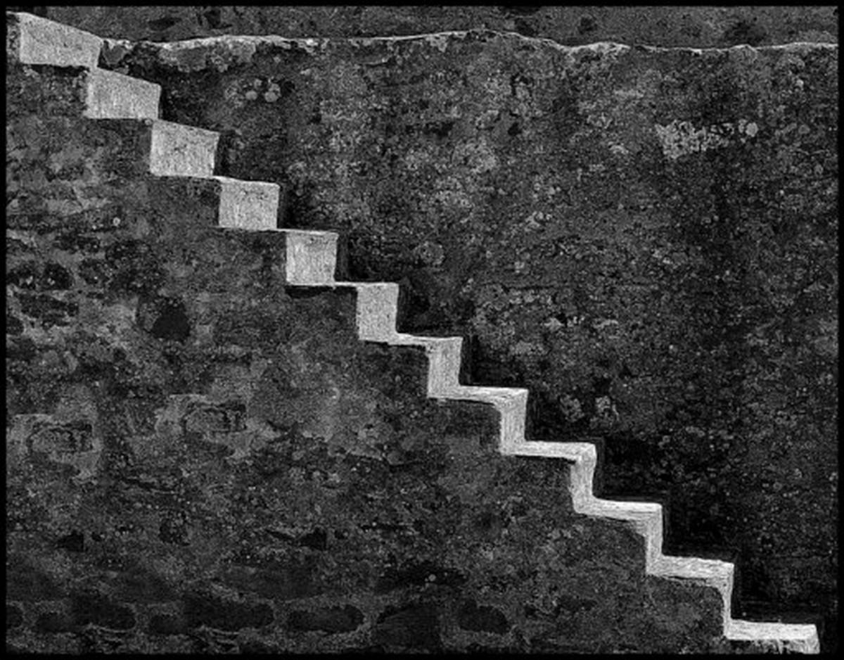 Stairs bw